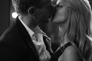 Perché piace baciare con la lingua?